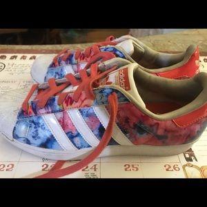 Adidas originals printed shoes men's 6.5 Womens 8